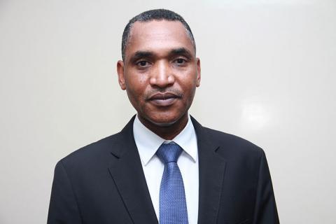 محمد سالم ولد البشير-الإداري المدير العام لشركة اسنيم