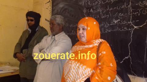 العمدة السالمة منت علوات خلال زيارتها للمدرسة اليوم