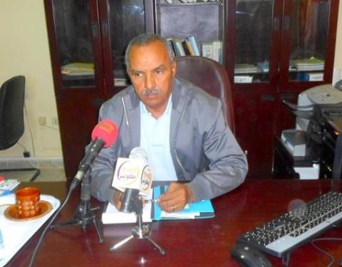 الشيخ ولد بايه-عمدة بلدية ازويرات ومستشار وزير الصيد الموريتاني ورئيس الوفد الموريتاني المفاوض في ملف الصيد مع الإتحاد الأوربي