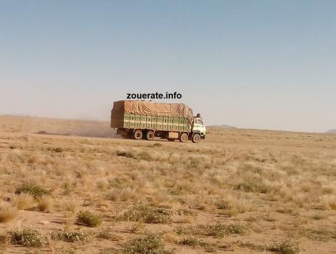 شاحنة نقل بضائح قادمة من الشمال باتجاه ازويرات- ازويرات إنفو /أرشيف