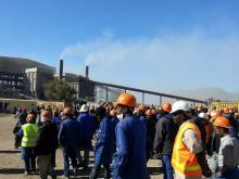 العمال خارج المنشآت استجابة للإضراب