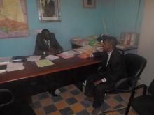مدير المارتون سيد ولد بوب في لقاء مع حاكم بئر ام اكرين المساعد آو هارونا